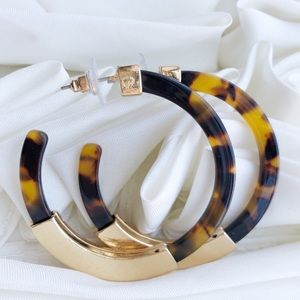 Tortoiseshell & Gold Acrylic Hoop Earrings